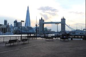 Vielleicht 2-3 Monate London?