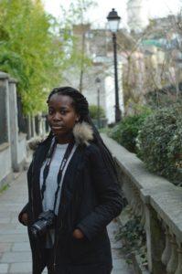 Rachel im Viertel Montmartre
